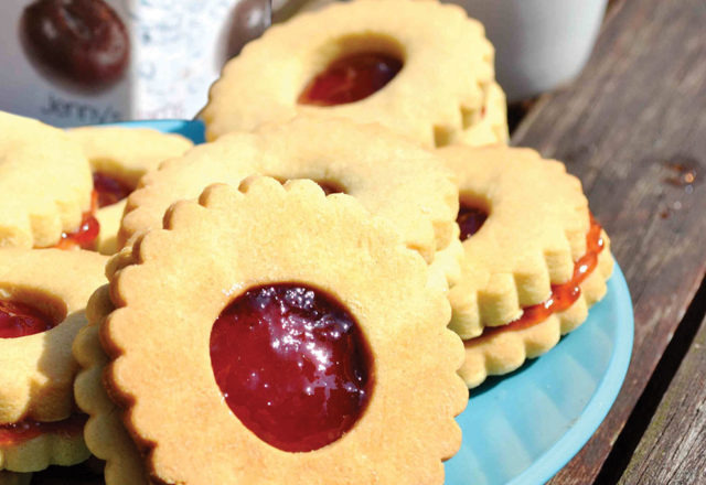 Jenny's jammy biscuits