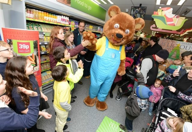 New Wragby Food Store opens