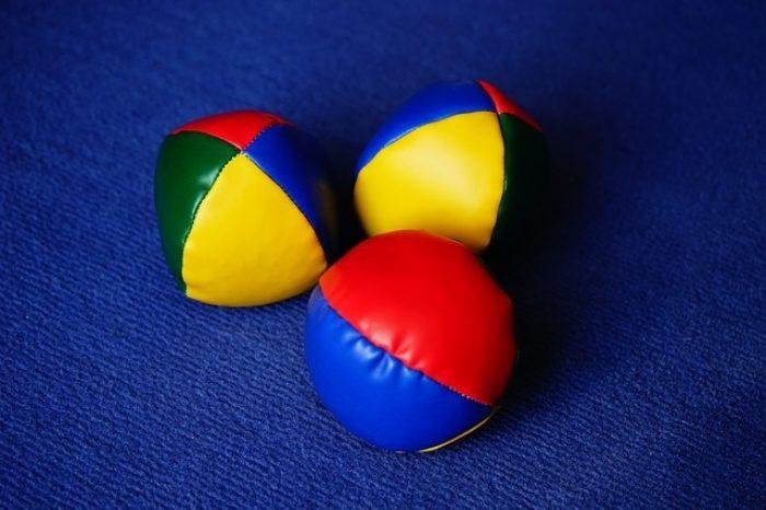Juggling-balls.jpg