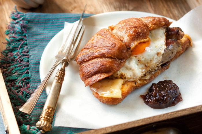 Red-onion-chutney-croissant-recipe.jpg