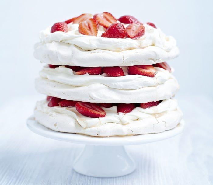 Strawberry-meringue-cake-WEB.jpg