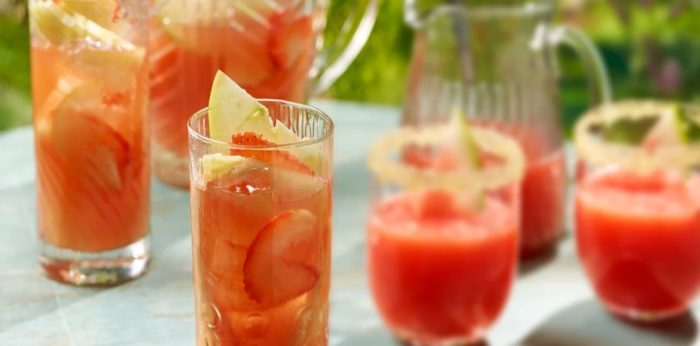 Strawberyr-and-pineapple-punch.jpg