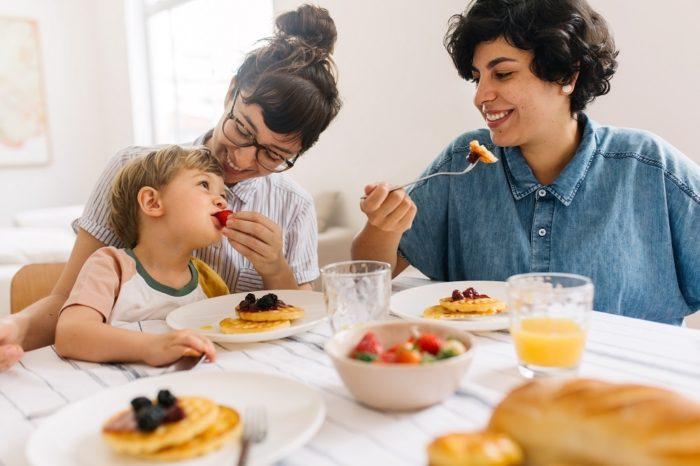family-eating-healthy-breakfast.jpg
