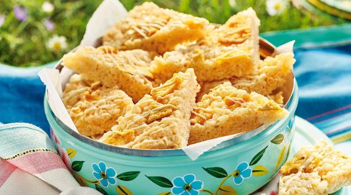 pineapple_crispy_rice_cakes-1.jpg