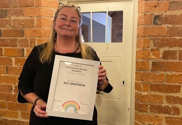 Funeral Director Aly accepts lockdown hero award