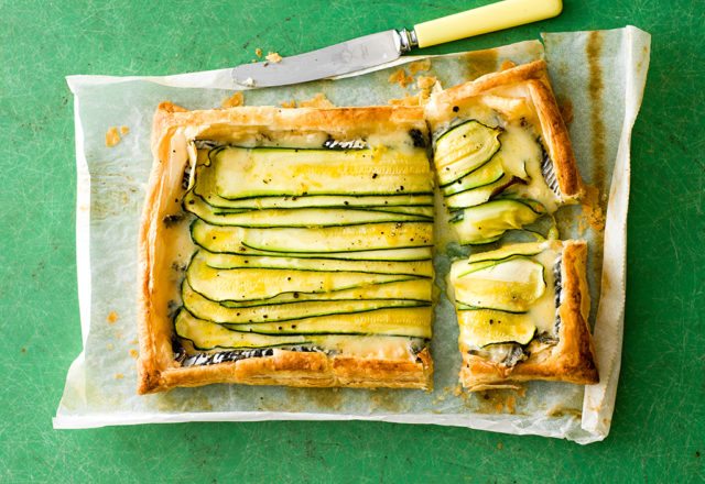 Courgette and cheese tart (V)