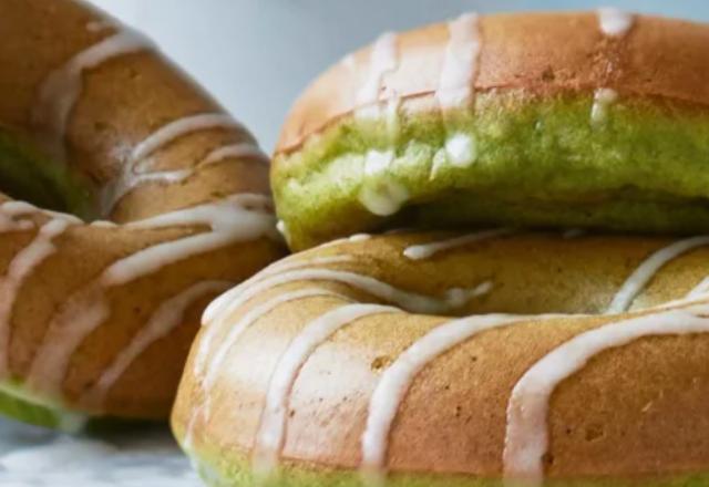 Banana and spinach doughnuts (V)