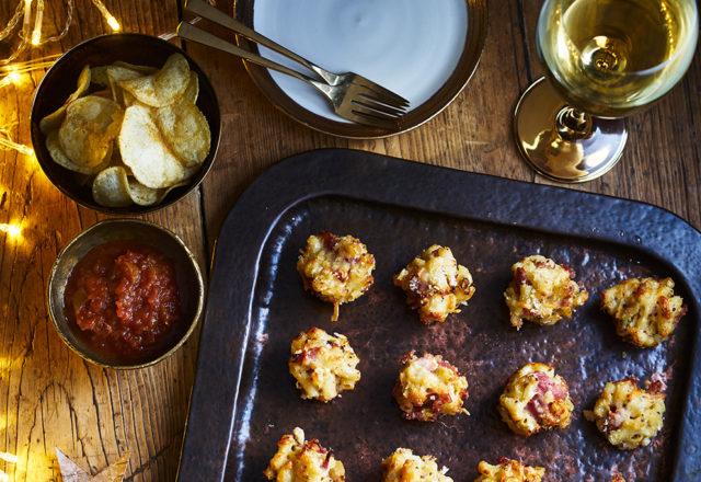 Macaroni cheese and ham bites