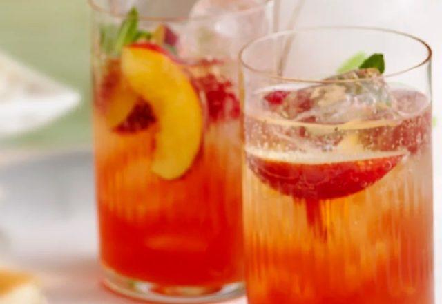 Iced peach melba tea