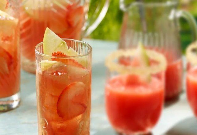 Pineapple & strawberry picnic punch (V) (GF)