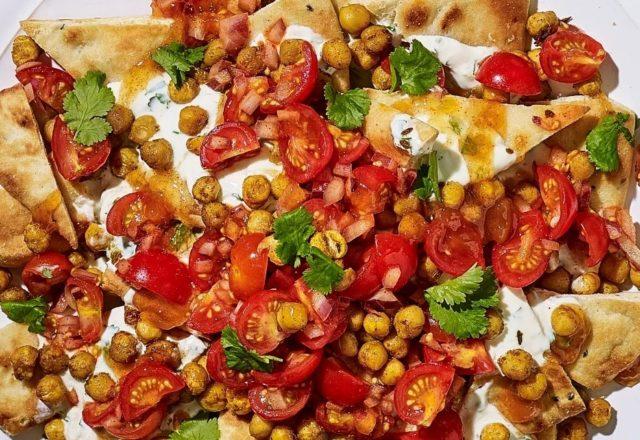 Vegetarian 'naan-chos' (V)