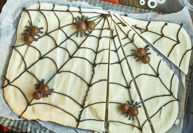 Spooky spider's web dessert