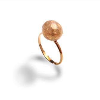 bijou de créateur en émail little woman paris bague en étain perle