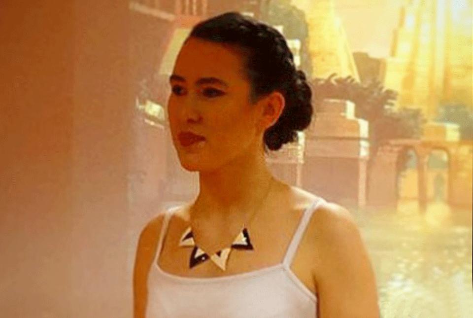 Bijoux createur email little woman paris defile essca dressin large