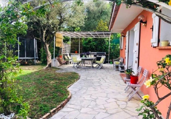 Villa with private pool in Mougins for long term rent