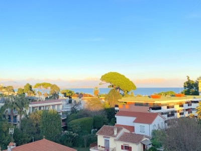 Apartment for Sale in Antibes 1703333