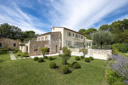 Villa 354m² à vendre à Valbonne 1703375