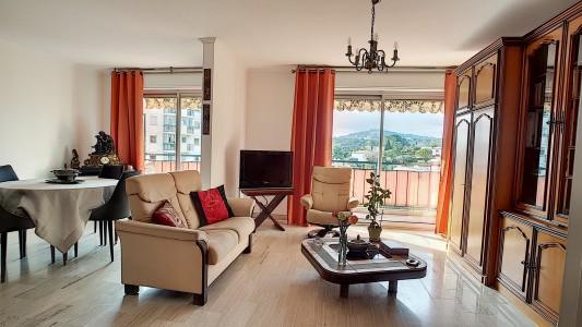Antibes'de 76m² 2+1 satılık daire 1703604