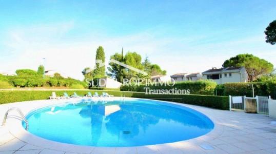 House for Sale in Mandelieu-la-Napoule 1703664