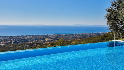 House for Sale in Marbella 1703866
