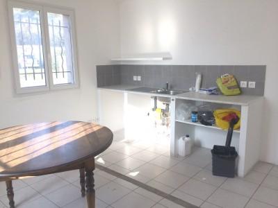 Long Term rent Commercial estate in Gréasque 1704067