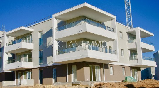Apartment for Sale in Biot 1704176