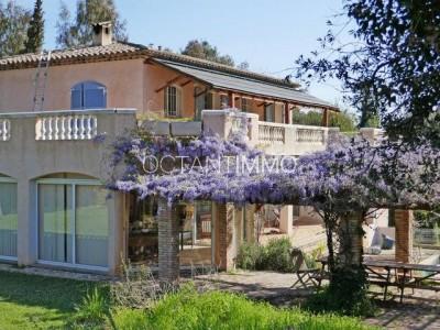 Maison 210m² à vendre à Valbonne 1704177