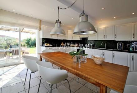 Maison 230m² à vendre à Biot - Alpes-Maritimes 1704183