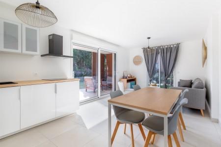 法國朱安雷賓 出售中公寓 3 rooms_en 63m² 1704329