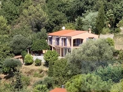 Продаётся дом 170m² - Ментонe 1704573