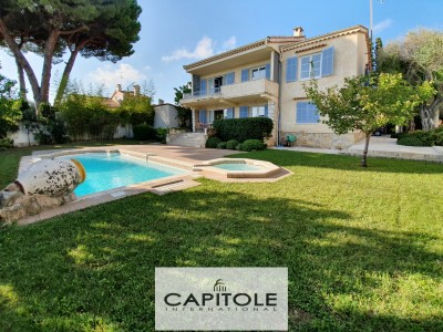 Villa for Sale in Antibes 1705253