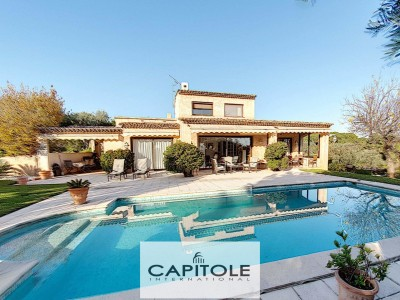 Villa for Sale in Antibes 1705254