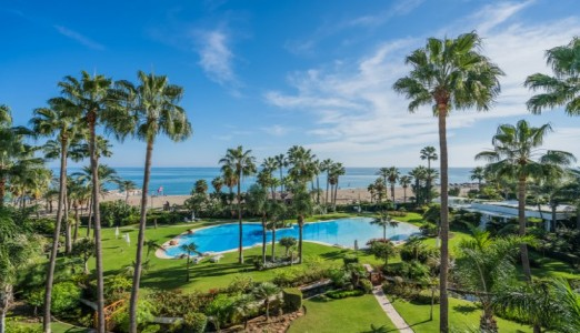 Duplex 557m² à vendre à Marbella 1706094