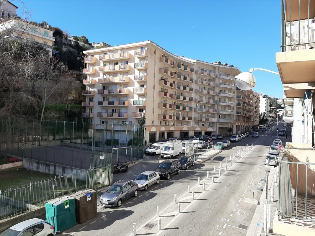 Nica: Stan za najam. stan 3 spavaće sobe zapadna orijentacija.. Iznajmljuje se u grade Nica, Francuska, Alpes Maritimes 5.2.2020 Cijena nekretnine: 800 EUR 1706328. Stan u najam.