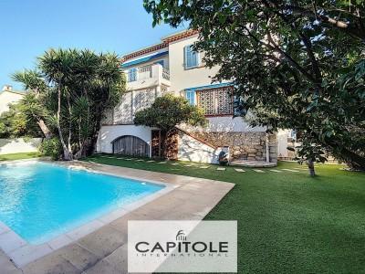 Villa te koop in Antibes Cote d'Azur - Zuid Frankrijk 1706339