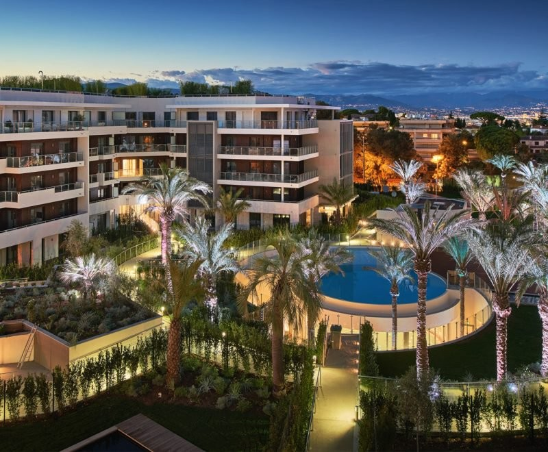 For sale Apartment 43m² in Cap d'Antibes Alpes Maritimes. Apartment 1 bathroom, 1 bedroom, double pane windows, air conditioning, swimming pool. Price to Buy a Apartment is 625000 EUR. In Cap d'Antibes for sale Apartment. Apartment was published on sales list 6.2.2020 1706395. Selling Apartment in Cap d'Antibes Alpes Maritimes, France.