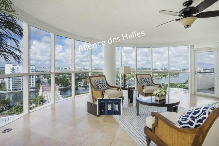 House for Sale in Miami Beach 1706576
