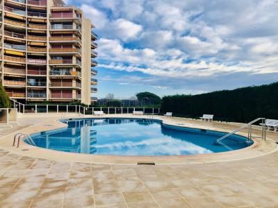 Apartment for Sale in Mandelieu-la-Napoule 1706644