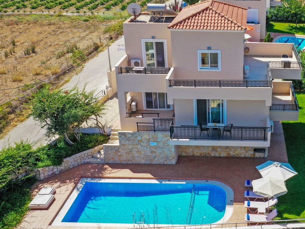 Alquiler semanal para vacaciones en chalet en Kolimbari. Alquileres a corto plazo en Creta, Kolimbari, Grecia. Encuentre alquiler vacacional barato o de lujo chalet en. Alojamiento en Kolimbari, Creta