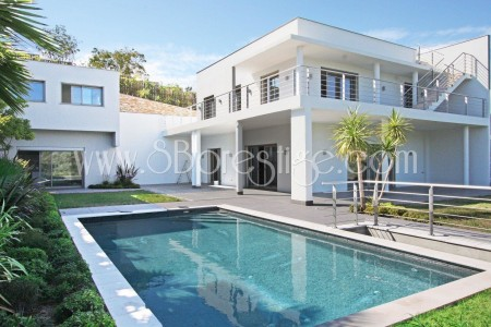 Villa for Sale in Cannes 1706674