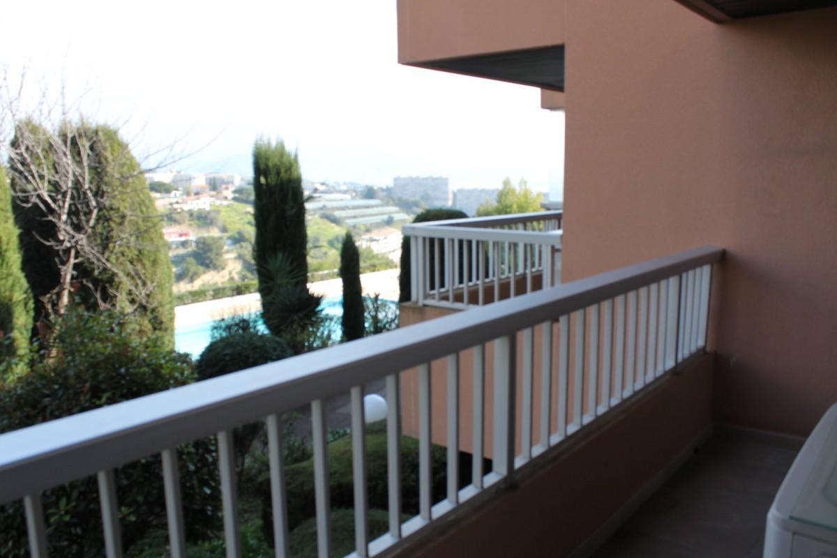 Nica: Stan za najam. stan 3 spavaće sobe klimatizacija, bazen za plivanje, istočna orijentacija, južna orijentacija.. Iznajmljuje se u grade Nica, Francuska, Alpes Maritimes 4.3.2020 Cijena nekretnine: 1510 EUR 1706920. Stan u najam.