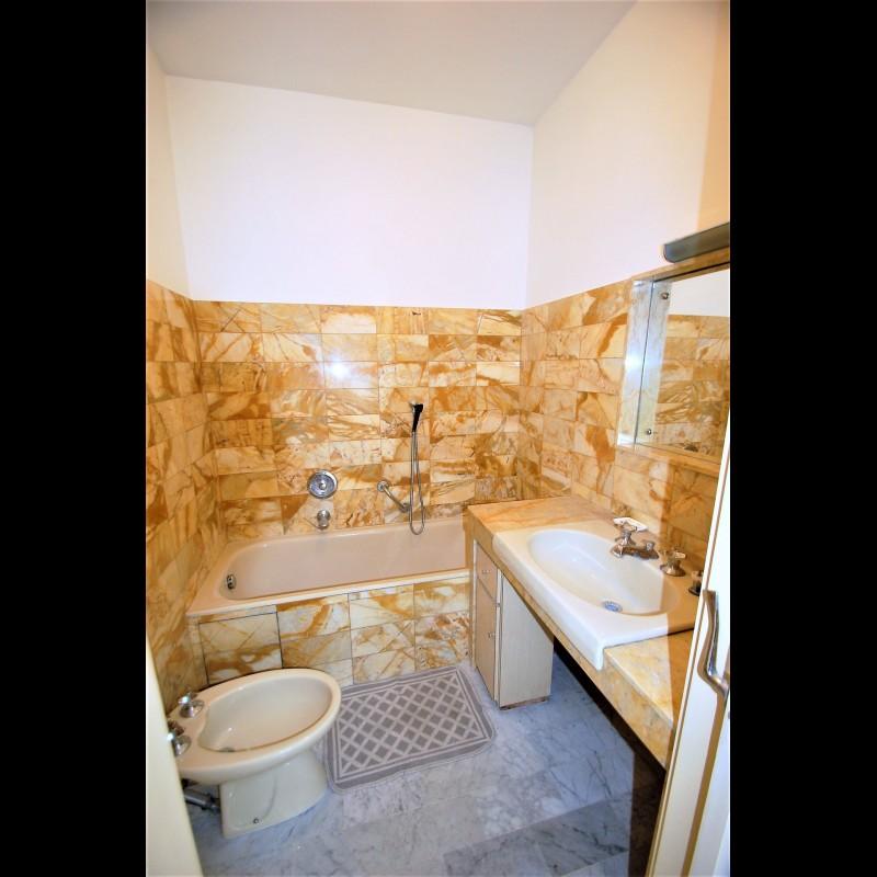 Nica: Stan za najam. stan 1 spavaća soba 1 kupaonica terasa, južna orijentacija, zapadna orijentacija.. Iznajmljuje se u grade Nica, Francuska, Alpes Maritimes 4.3.2020 Cijena nekretnine: 1125 EUR 1707017. Stan u najam.