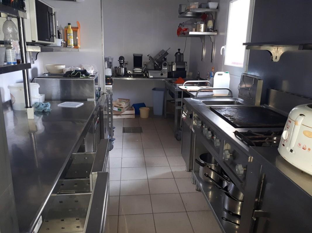 Сграда Продажба на имоти във Le Neufbourg, Франция. 4.3.2020 Имоти за продан. 1707132 147000 EUR.