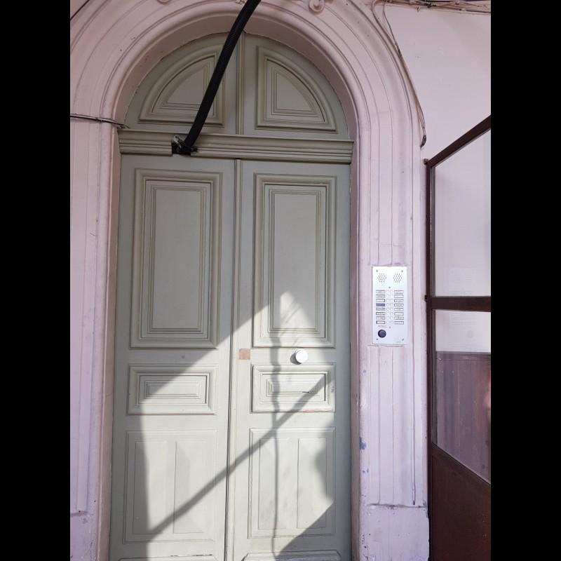 Nica: Stan za najam. stan 3 spavaće sobe 1 kupaonica zapadna orijentacija.. Iznajmljuje se u grade Nica, Francuska, Alpes Maritimes 4.3.2020 Cijena nekretnine: 1400 EUR 1707163. Stan u najam.