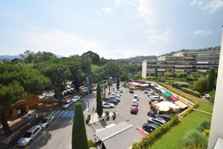 Apartment for Sale in Mandelieu-la-Napoule 1707288