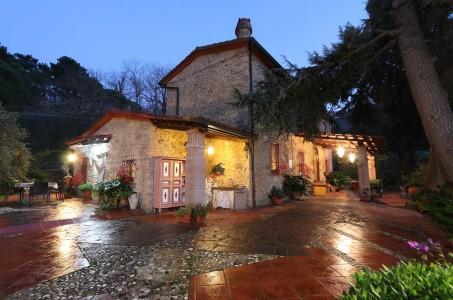 意大利Montescudaio 出售中家庭住宅 220m² 1707321