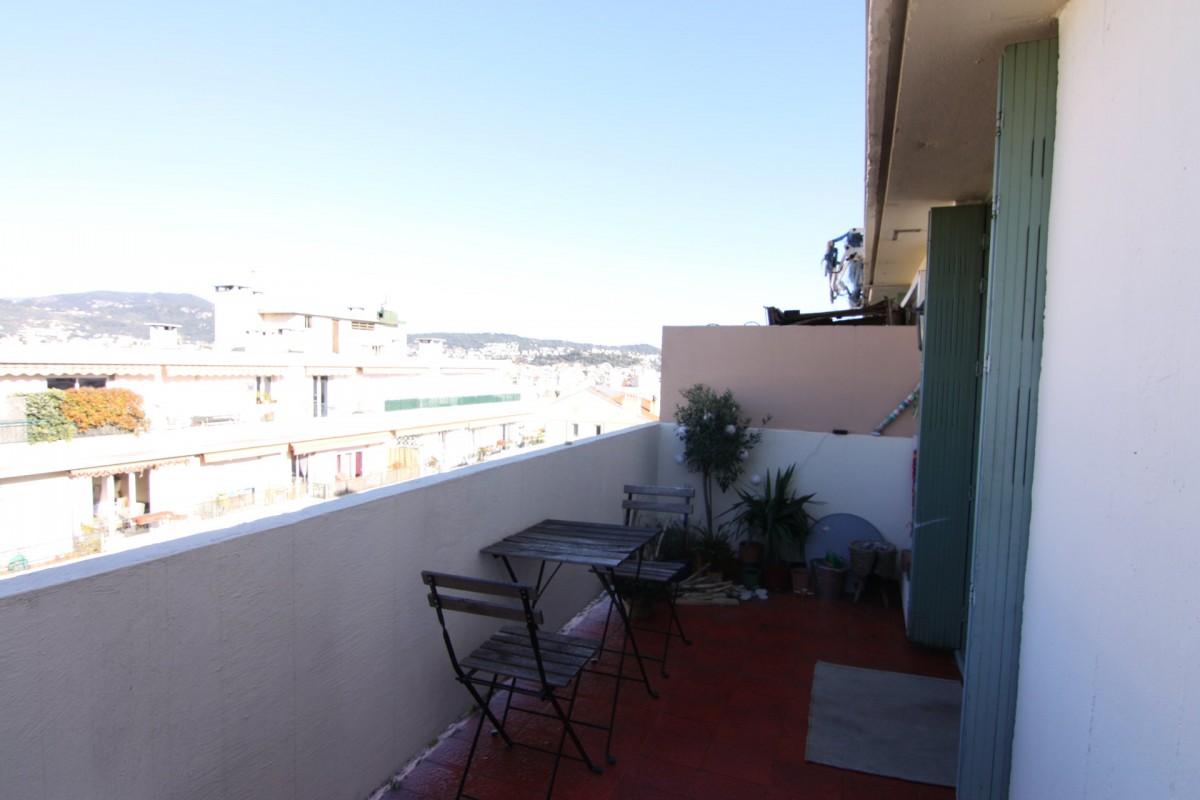 नीस अपार्टमेंट वार्षिक किराए के लिए. नीस फ़्रांस में, वार्षिक लंबी अवधि का अपार्टमेंट. नीस फ़्रांस में, लंबी अवधि के किराये अपार्टमेंट. नीस फ़्रांस में, मासिक किराये के लिए अपार्टमेंट,, 1 room_en, विथ फर्नीचर, छत 5.3.2020 1707461, फ़्रांस
