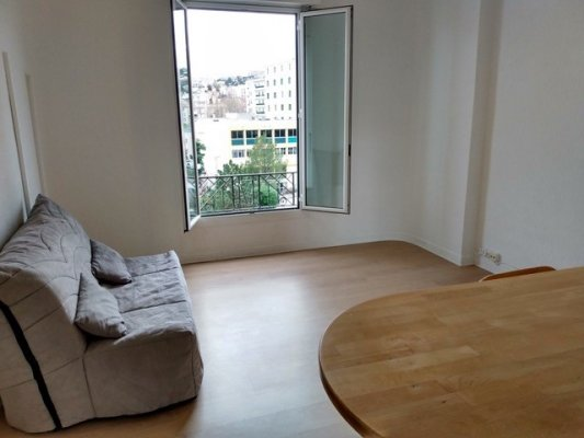 Spacious studio Nice Magnan for rent