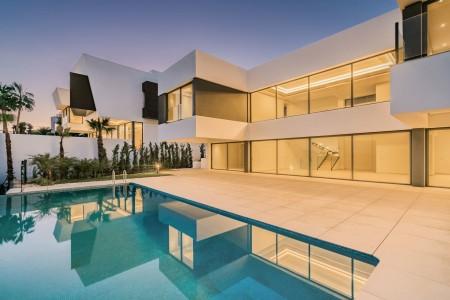 Villa for Sale in Benahavís ? 1707760