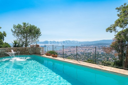 Villa for Sale in Cannes 1707844